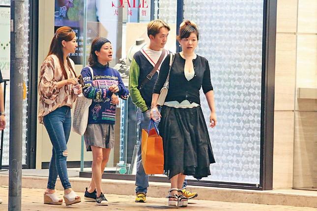 Tài tử TVB cùng lúc yêu 3 bạn gái trong nhiều năm ảnh 3