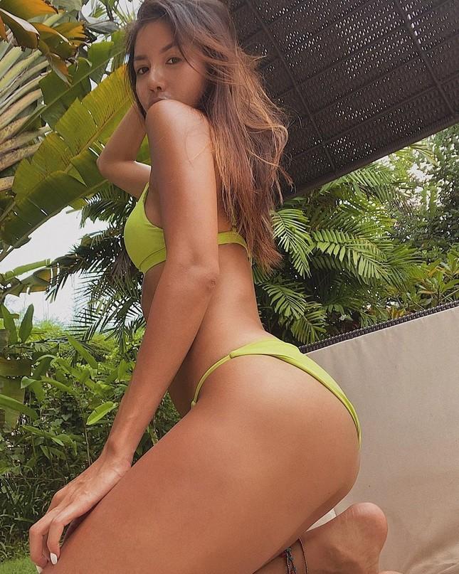 Minh Tú hết tung ảnh khoả thân lại khoe body 'bỏng rẫy' với bikini ảnh 3