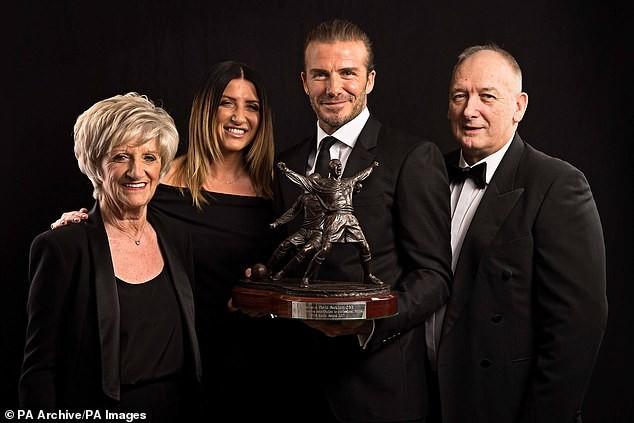 Bố David Beckham lấy vợ ở tuổi 71 ảnh 2