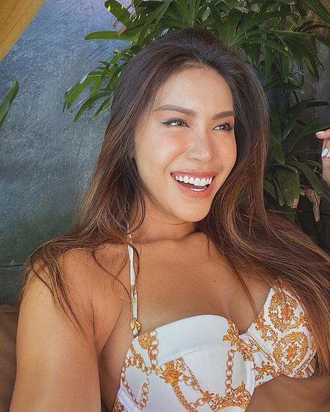 Minh Tú tung loạt ảnh bikini nóng bỏng, tự nhận 'bà hoàng trong làng thả thính' ảnh 4