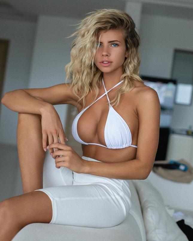 Chuỗi ngày cách ly nóng bỏng với nội y của 'nữ DJ sexy nhất thế giới' ảnh 2