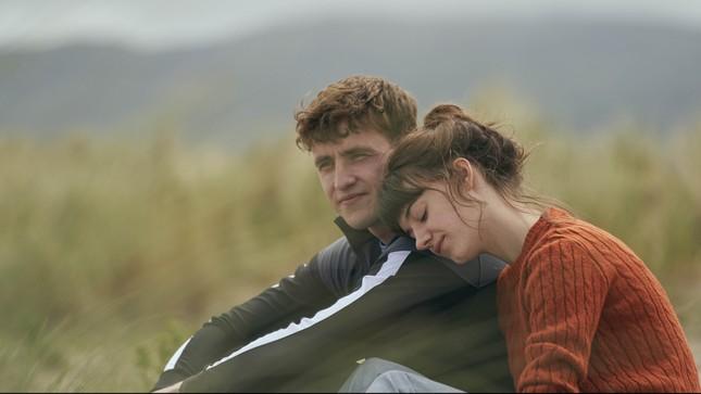 Phim chuyển thể của BBC nổi như cồn nhờ hơn 41 phút cảnh 'giường chiếu' ảnh 3