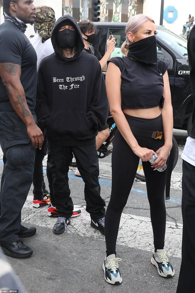 Loạt sao Hollywood liên tục xuống đường biểu tình ủng hộ người da đen ảnh 16