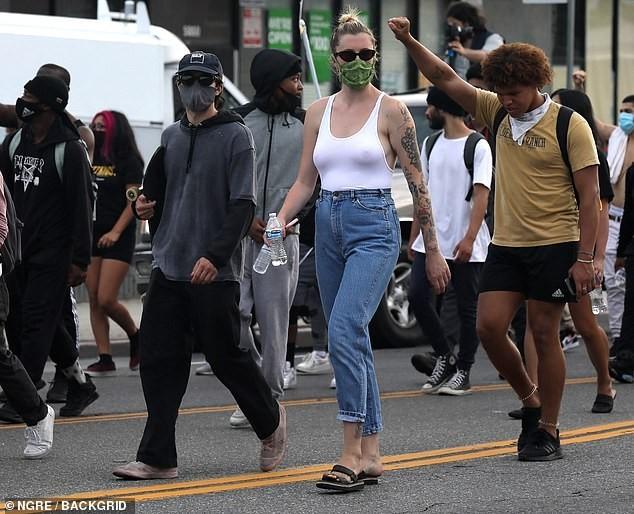 Loạt sao Hollywood liên tục xuống đường biểu tình ủng hộ người da đen ảnh 1