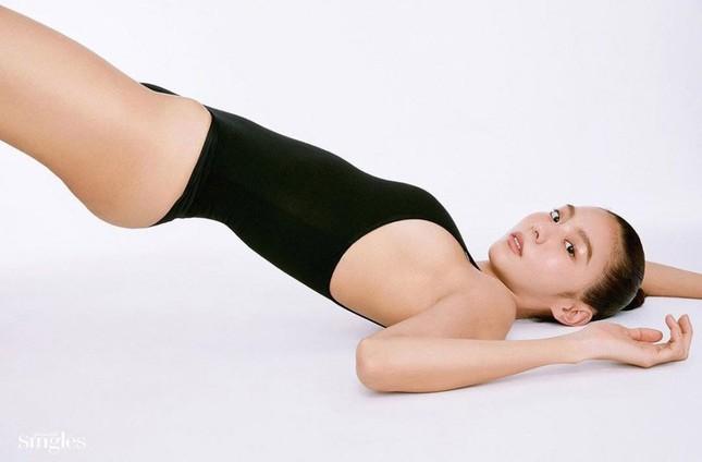 'Nữ thần K-pop' UEE bán nude táo bạo trên tạp chí ảnh 5