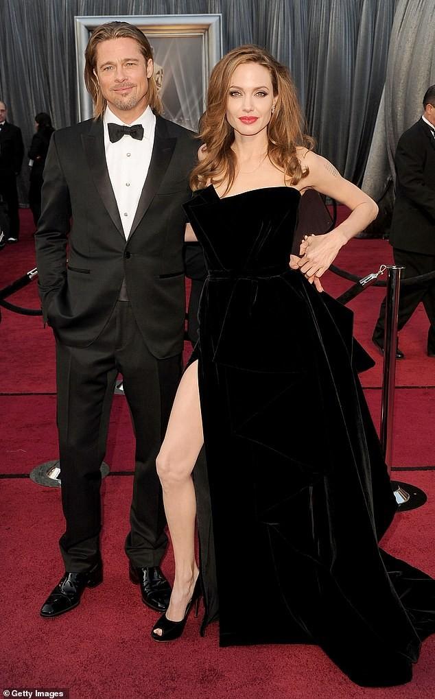 Angelina Jolie hiếm hoi nói về việc ly hôn Brad Pitt: 'Đó là quyết định đúng đắn' ảnh 1