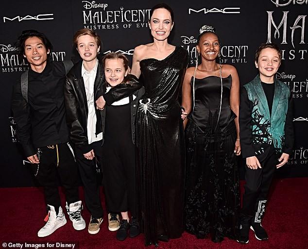 Angelina Jolie hiếm hoi nói về việc ly hôn Brad Pitt: 'Đó là quyết định đúng đắn' ảnh 2