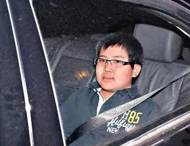 Bà tư của 'vua sòng bài' Macau bất ngờ thừa nhận có con trai giấu kín gần 30 năm ảnh 3