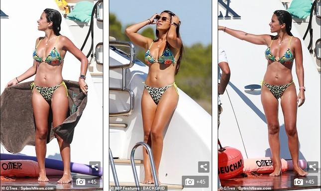 Messi ôm ấp bà xã nóng bỏng trên du thuyền, cùng gia đình Suarez đi nghỉ mát ảnh 5