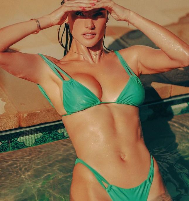 Alessandra Ambrosio tươi rói trên bãi biển, bộ bikini thành tâm điểm bàn tán ảnh 6