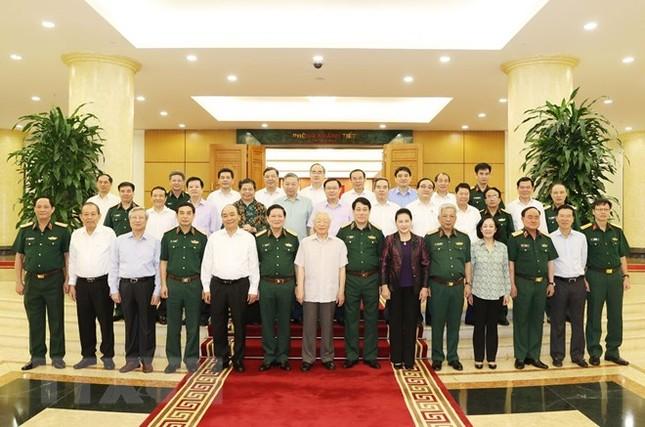 Bộ Chính trị làm việc với Thường vụ Quân ủy Trung ương ảnh 10
