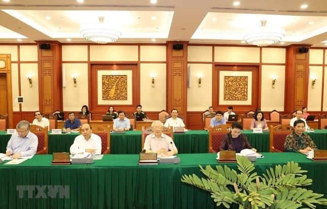 Bộ Chính trị làm việc với Thường vụ Quân ủy Trung ương ảnh 1