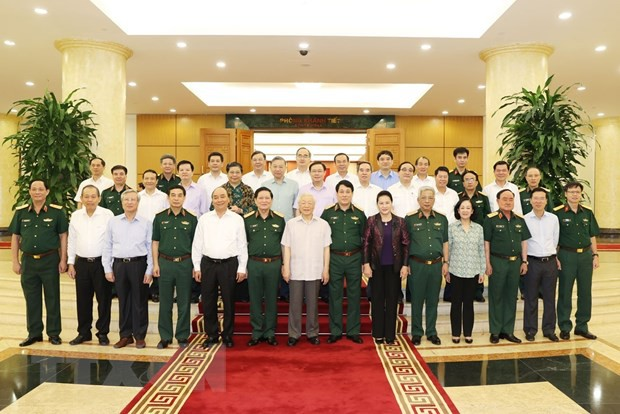Bộ Chính trị làm việc với Thường vụ Quân ủy Trung ương ảnh 2