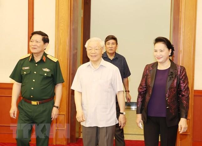 Bộ Chính trị làm việc với Thường vụ Quân ủy Trung ương ảnh 4