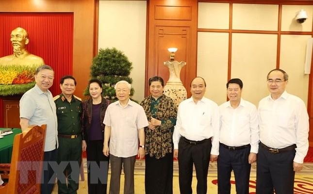 Bộ Chính trị làm việc với Thường vụ Quân ủy Trung ương ảnh 6