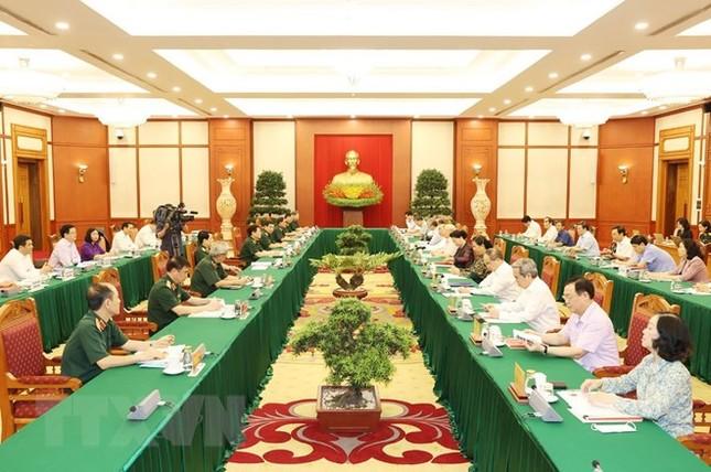 Bộ Chính trị làm việc với Thường vụ Quân ủy Trung ương ảnh 7
