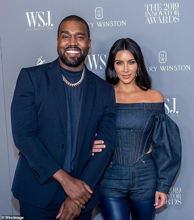 Kanye West đăng video tiểu tiện vào cúp vàng Grammy gây sốc ảnh 7