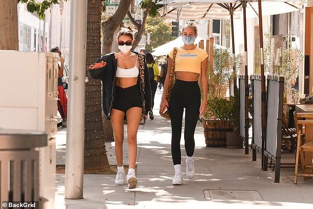 Madison Beer mặc bra bé xíu xuống phố siêu gợi cảm ảnh 5