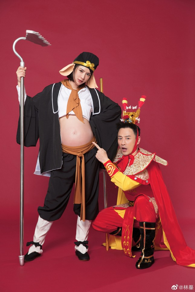 Báo tin vợ sinh, Lâm Phong khoe luôn bộ ảnh bầu 'Ngộ Không – Bát Giới' ảnh 3