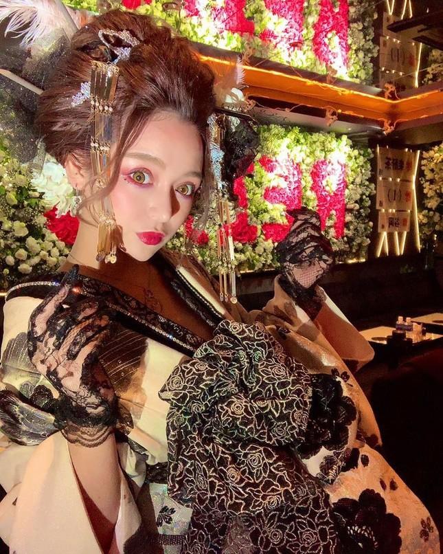 Vẻ nóng bỏng của nữ geisha 'đắt giá' nhất Nhật Bản ảnh 2