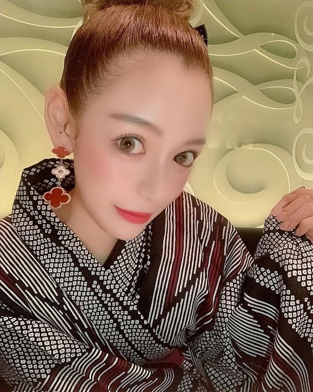 Vẻ nóng bỏng của nữ geisha 'đắt giá' nhất Nhật Bản ảnh 4