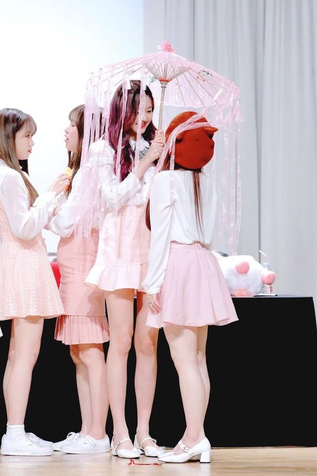 Nữ idol sở hữu 'đôi chân dài nhất K-pop' có phải Lisa (Black Pink)? ảnh 2