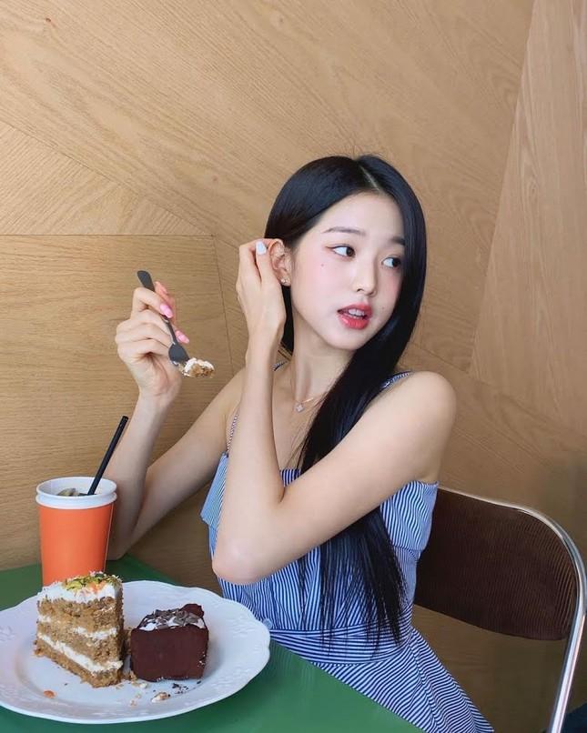 Nữ idol sở hữu 'đôi chân dài nhất K-pop' có phải Lisa (Black Pink)? ảnh 3