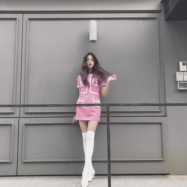Nữ idol sở hữu 'đôi chân dài nhất K-pop' có phải Lisa (Black Pink)? ảnh 9