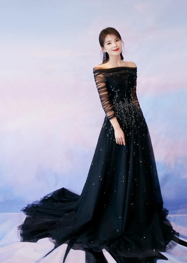 'Bóc trần' nhan sắc thật của loạt mỹ nhân Hoa ngữ tại lễ bế mạc Kim Ưng 2020 ảnh 9