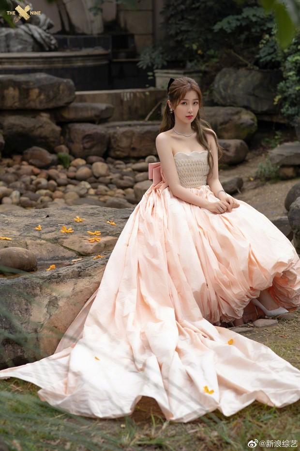 'Bóc trần' nhan sắc thật của loạt mỹ nhân Hoa ngữ tại lễ bế mạc Kim Ưng 2020 ảnh 15