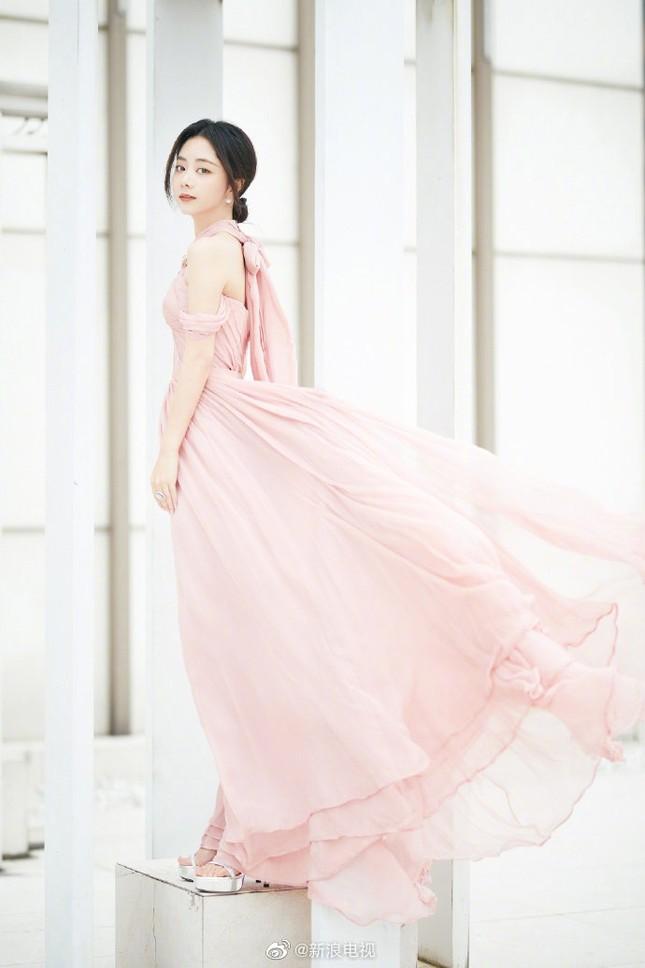 'Bóc trần' nhan sắc thật của loạt mỹ nhân Hoa ngữ tại lễ bế mạc Kim Ưng 2020 ảnh 21