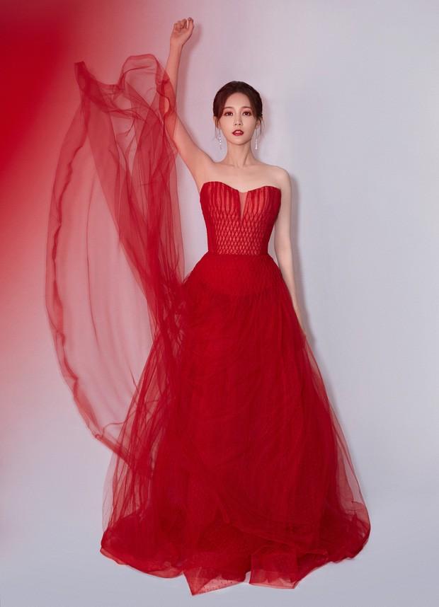 'Bóc trần' nhan sắc thật của loạt mỹ nhân Hoa ngữ tại lễ bế mạc Kim Ưng 2020 ảnh 17