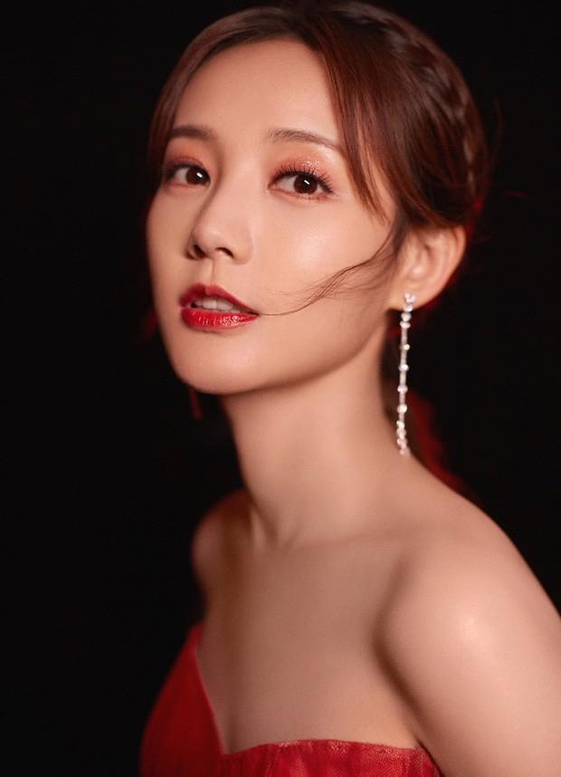 'Bóc trần' nhan sắc thật của loạt mỹ nhân Hoa ngữ tại lễ bế mạc Kim Ưng 2020 ảnh 18