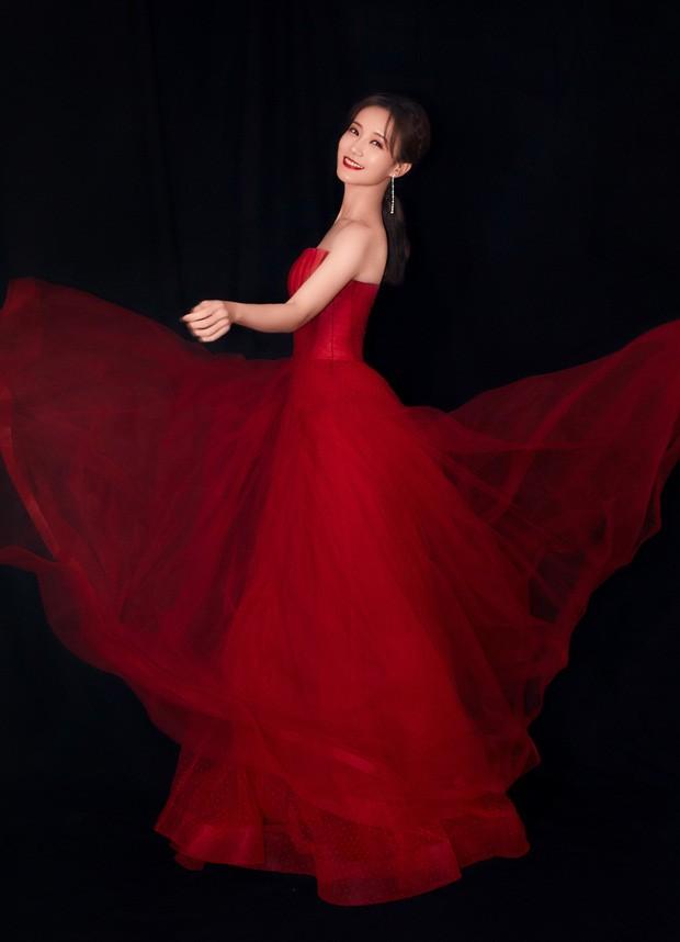 'Bóc trần' nhan sắc thật của loạt mỹ nhân Hoa ngữ tại lễ bế mạc Kim Ưng 2020 ảnh 19