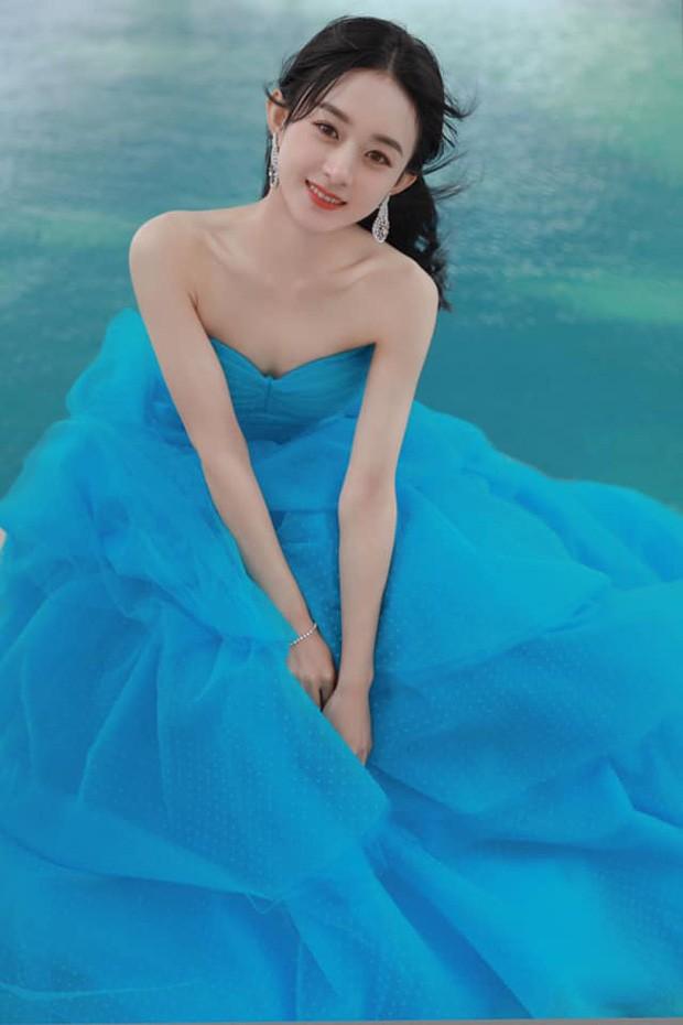 'Bóc trần' nhan sắc thật của loạt mỹ nhân Hoa ngữ tại lễ bế mạc Kim Ưng 2020 ảnh 2