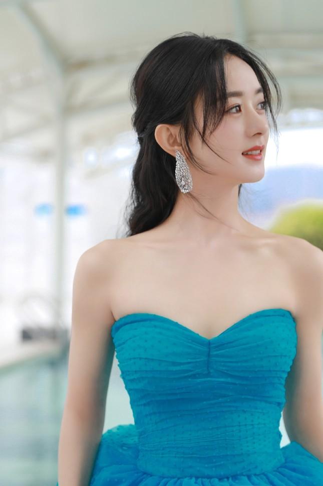 'Bóc trần' nhan sắc thật của loạt mỹ nhân Hoa ngữ tại lễ bế mạc Kim Ưng 2020 ảnh 3