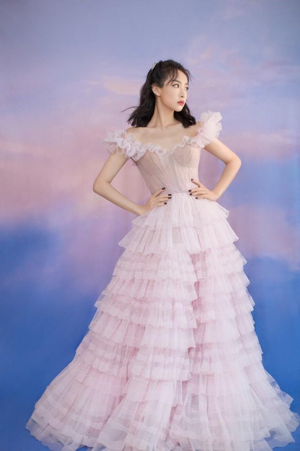 'Bóc trần' nhan sắc thật của loạt mỹ nhân Hoa ngữ tại lễ bế mạc Kim Ưng 2020 ảnh 6