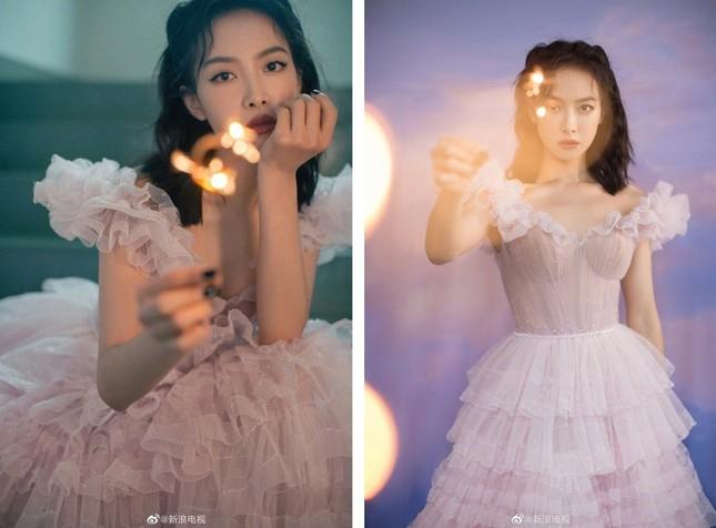 'Bóc trần' nhan sắc thật của loạt mỹ nhân Hoa ngữ tại lễ bế mạc Kim Ưng 2020 ảnh 7