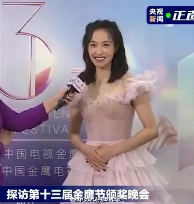 'Bóc trần' nhan sắc thật của loạt mỹ nhân Hoa ngữ tại lễ bế mạc Kim Ưng 2020 ảnh 8