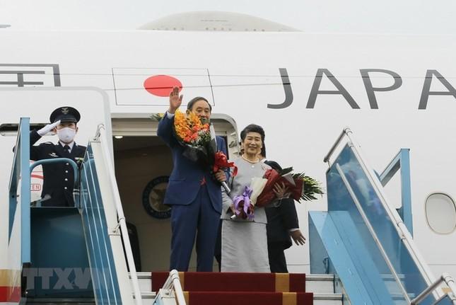 Thủ tướng Nhật Bản kết thúc chuyến thăm chính thức Việt Nam ảnh 1