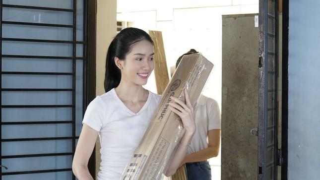 Thí sinh Hoa Hậu Việt Nam tổ chức đêm nhạc cho trẻ em khiếm thị tại mái ấm Thiên Ân ảnh 2