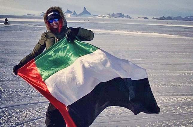 Nữ bác sĩ lập kỷ lục Guinness khi du lịch vòng quanh thế giới chỉ trong 3 ngày ảnh 3