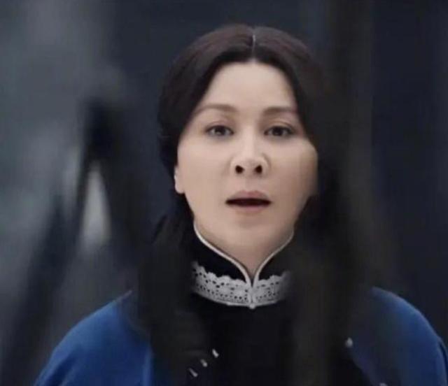 Lưu Gia Linh bị dân mạng 'ném đá' vì đóng vai gái đôi mươi ở tuổi U60 ảnh 2