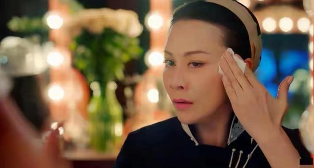 Lưu Gia Linh bị dân mạng 'ném đá' vì đóng vai gái đôi mươi ở tuổi U60 ảnh 4