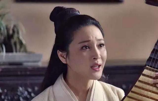 Gương mặt sưng phù, khác lạ của mỹ nhân được mệnh danh Phan Kim Liên đẹp nhất ảnh 3