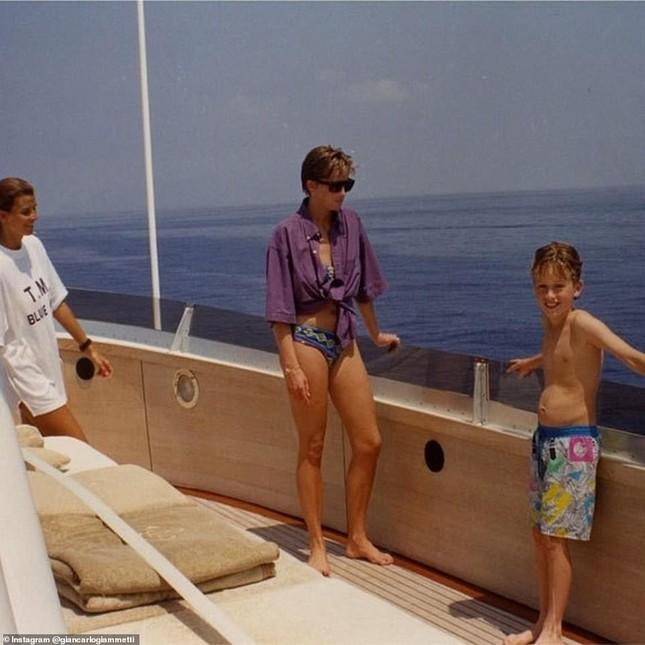 Ảnh bikini hiếm hoi của Công nương Diana gây tranh cãi ảnh 4