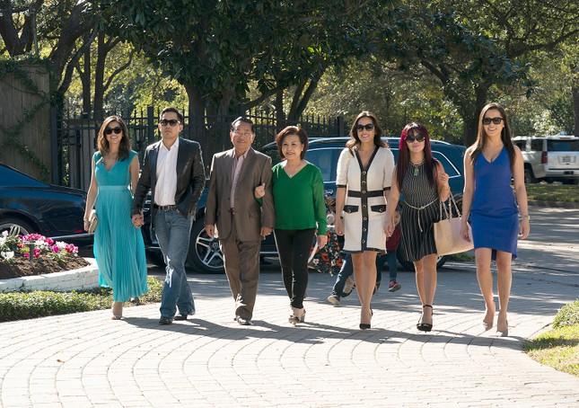 HBO làm chương trình thực tế về gia đình gốc Việt siêu giàu tại Mỹ ảnh 2