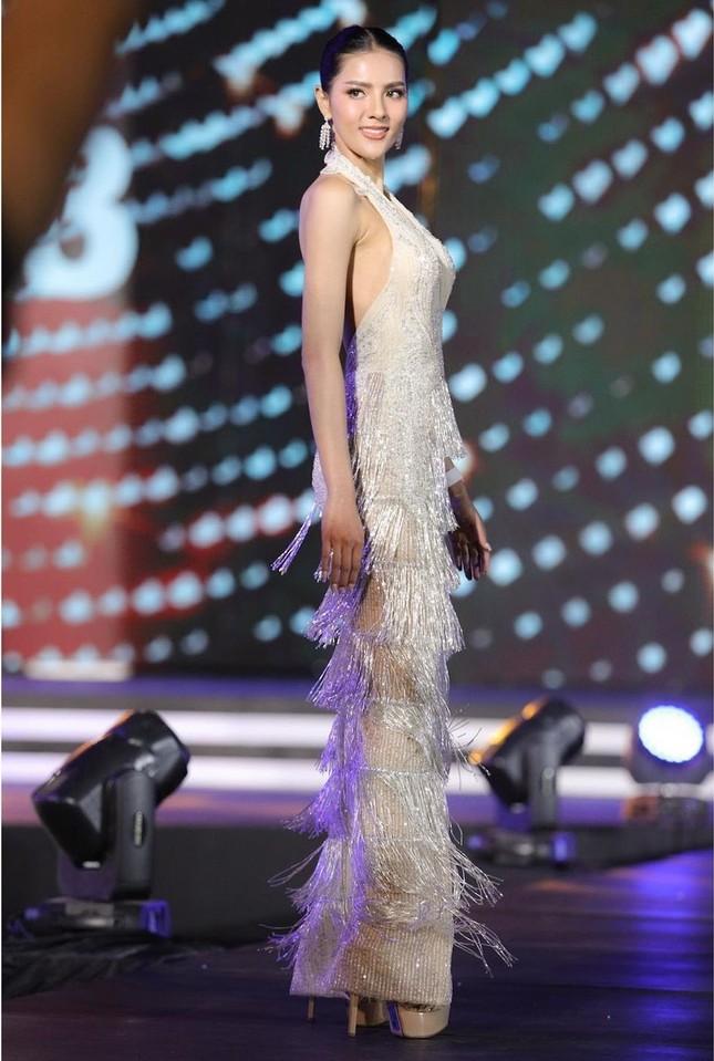 Ngoại hình 'bốc lửa' của người mẫu 27 tuổi đăng quang Hoa hậu Thái Lan 2020 ảnh 5