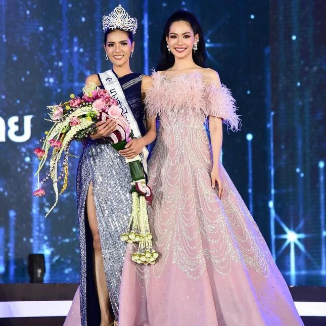 Ngoại hình 'bốc lửa' của người mẫu 27 tuổi đăng quang Hoa hậu Thái Lan 2020 ảnh 1