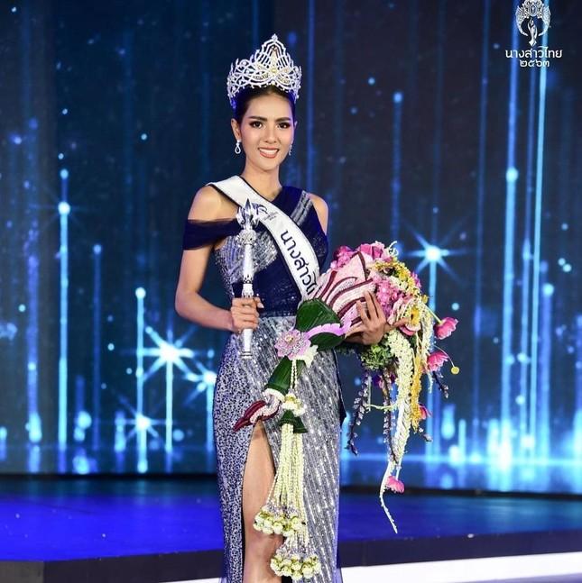 Ngoại hình 'bốc lửa' của người mẫu 27 tuổi đăng quang Hoa hậu Thái Lan 2020 ảnh 4
